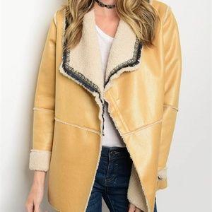 Jackets & Blazers - Camel microsuede shearling jacket w/pockets!